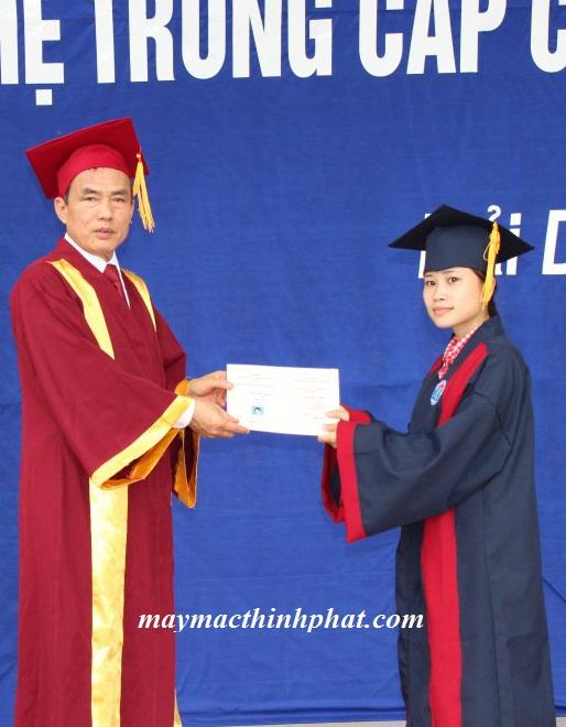 thuê áo tốt nghiệp 2019