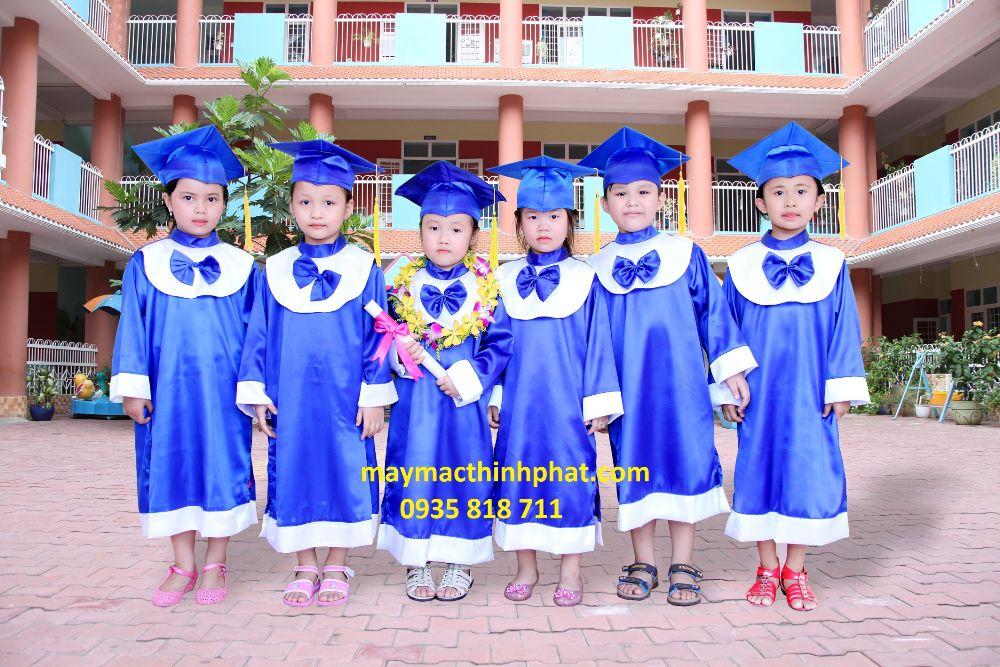 Lễ phục tốt nghiệp TP27