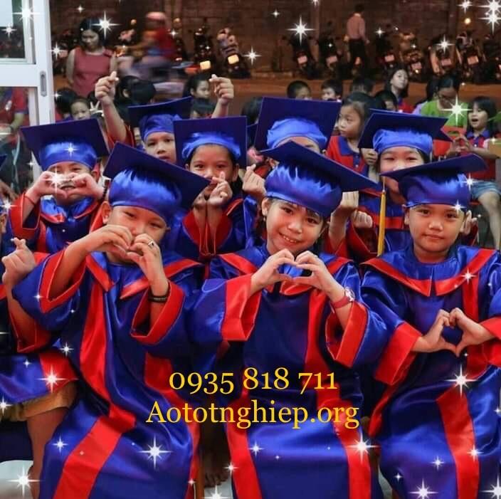 thuê áo tốt nghiệp tại hcm giá rẽ