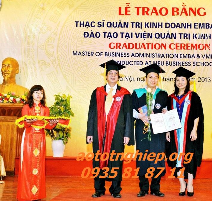 Aó tốt nghiệp cho thuê